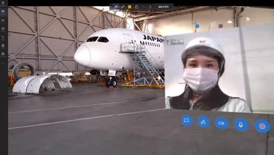 JALがMRグラスを活用して社会科見学を開催。整備士目線で機体を見学