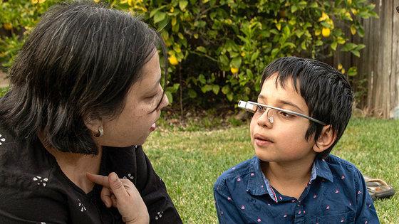 Google Glassを活用し自閉症の子どもたちを支援 スタンフォード大学推進プロジェクト「Superpower Glass」