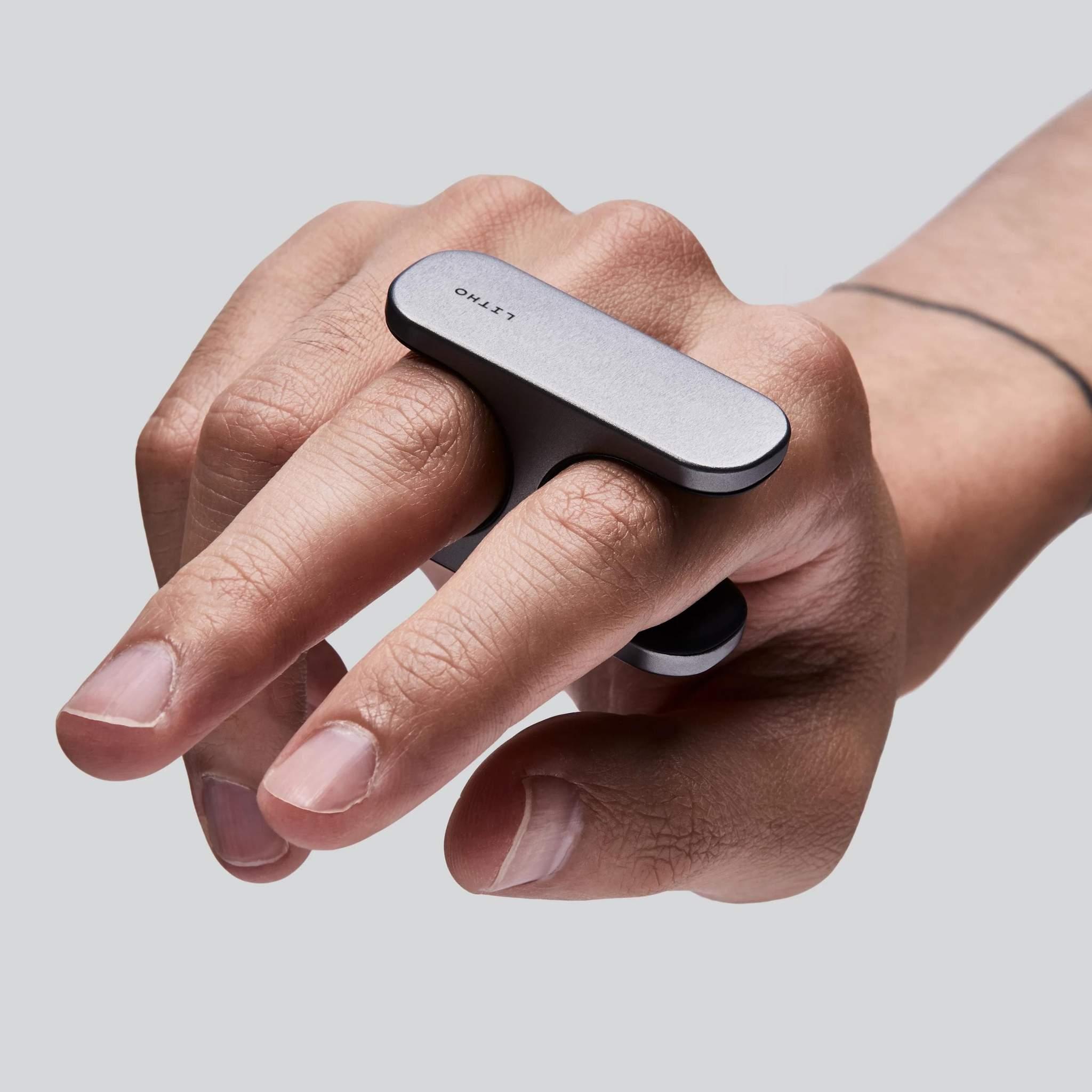 ARを2本の指で自在に操れる小型コントローラー「LITHO」を英国のスタートアップが開発