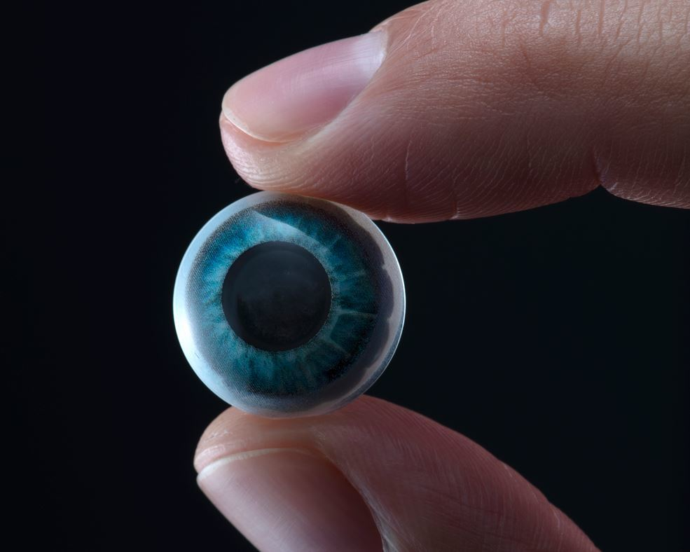ARヘッドセットはもう不要!?度入りも可能なARコンタクトレンズ「Mojo Lens」が登場