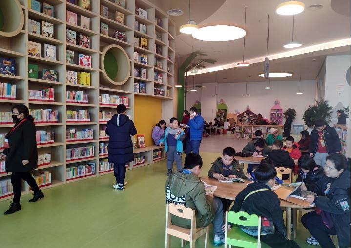 AR/VRで読書活動を推進、ハイテク化する中国の図書館