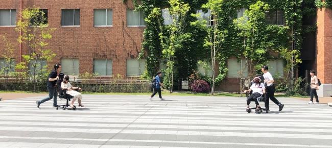 近畿大学がエイベックスと協業し、学生向けに「音声AR講座」を開催