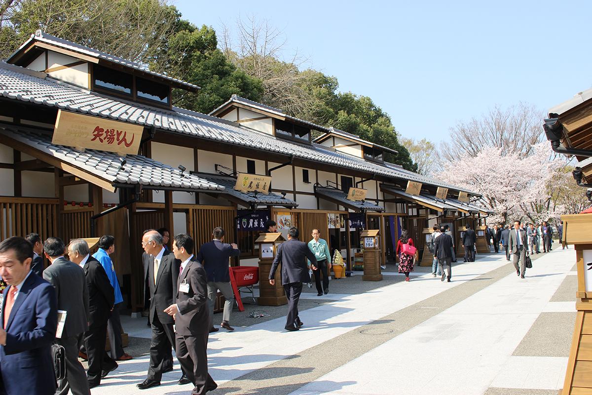 名古屋城に「金シャチ横丁」がオープン。新たな観光拠点として魅力を発信