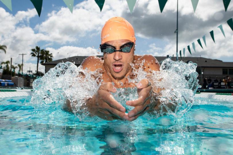 計測タイムや距離が泳ぎながらわかる!カナダの企業・FORMからAR水泳ゴーグルが発売