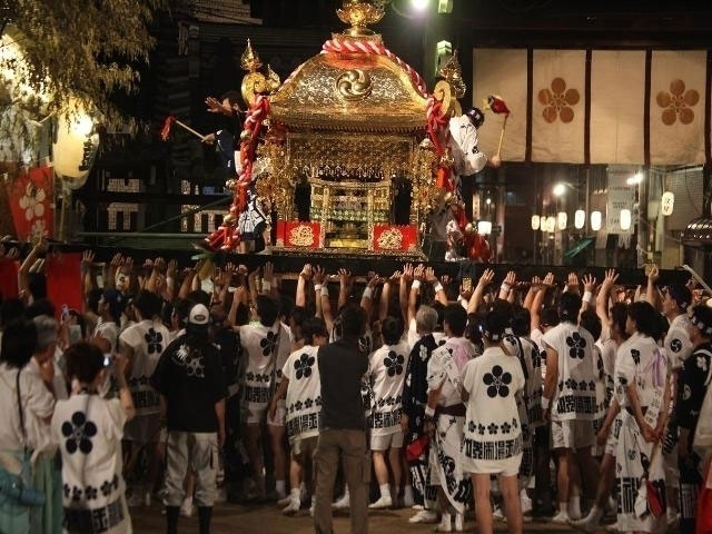 大阪天満宮が天神祭の魅力を伝えるためにAR動画絵はがきを発売